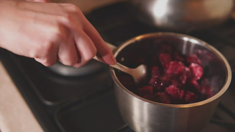 Why Do We Eat Cranberry Sauce for Thanksgiving?