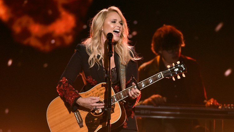 Miranda Lambert reveals she secretly got married
