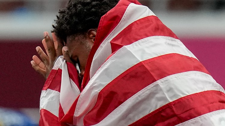 Noah Lyles was in tears shortly after 200-meter race. It had little to do with how he ran.