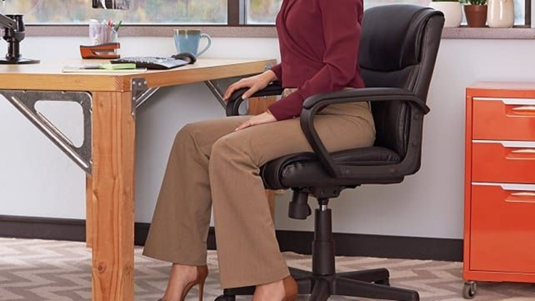 Super comfy office chair Oversized Supercomfy Office Chair Officechaircroppedjpg People Are Obsessed With This Affordable Furniture From Amazon