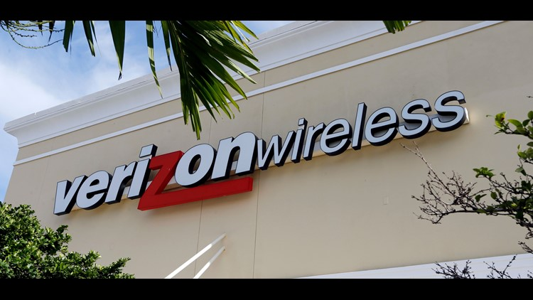 Sprint teases customers with a one-week offer of an unlimited data plan for $15 a month. Verizon takes a different path with a higher-priced unlimited plan for heavy users. How will this shake out for your cell-phone bill?