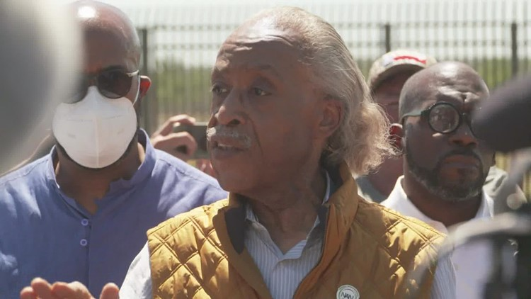 Rev. Al Sharpton's speech at the Texas/Mexico border interrupted by protesters
