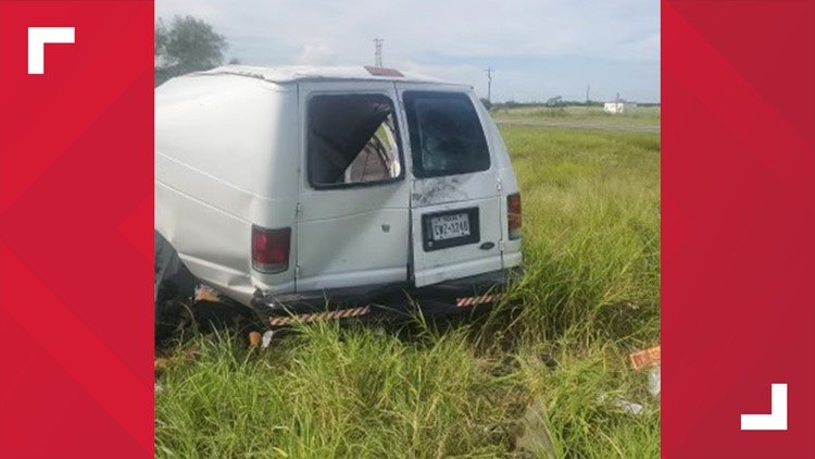 At least 10 dead after van full of migrants crashes north of the Texas-Mexico border, authorities say