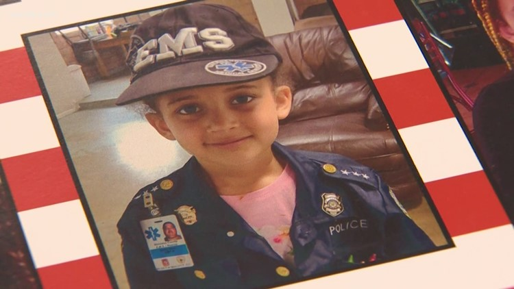 6-year-old Texas girl honored for saving siblings from house fire