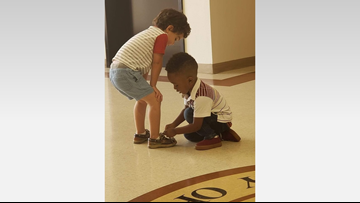 Houston toddler comes to the rescue of another child whose shoes were untied