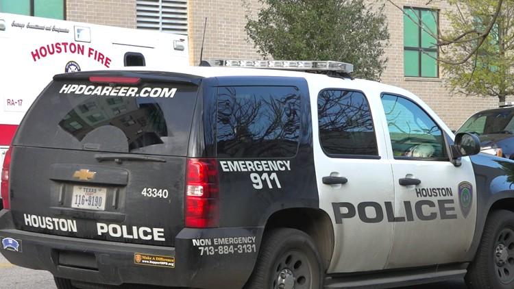 Homicide investigators respond to woman's death in Midtown