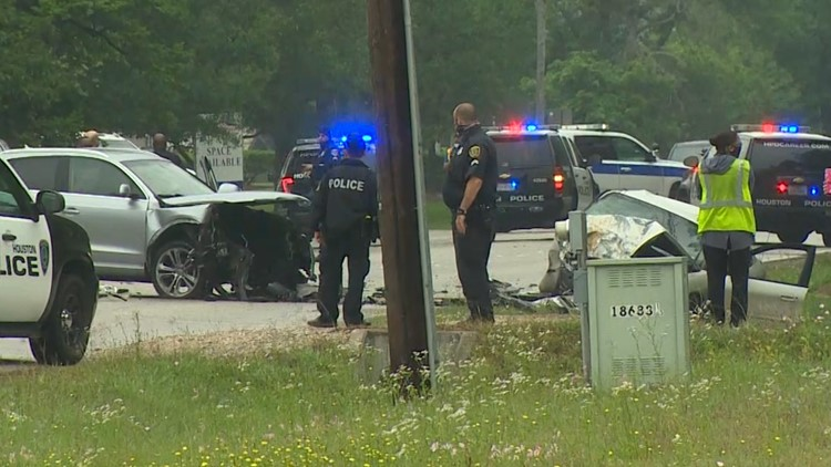 HPD: Boyfriend killed in head-on crash after he hit girlfriend's car to try to stop her from leaving