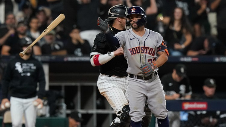 White Sox stay alive, beat Astros 12-6 in Game 3 of ALDS