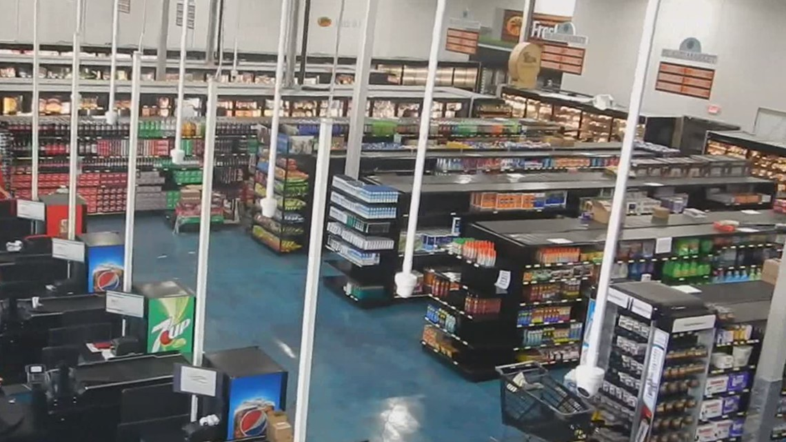 Island Report: Island Market IGA grocery store is about to open its doors