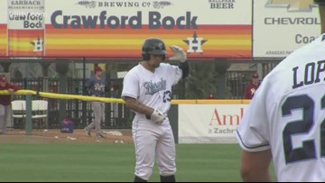 Hooks clinch series victory, win third straight - 3Sports