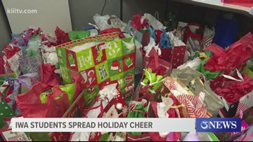 Incarnate Word Academy students spread holiday cheer