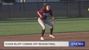 Young Flour Bluff softball team hopes to make playoffs - 3Sports