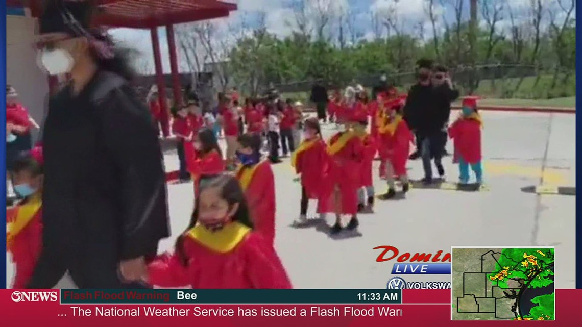 Domingo Live: School of Science and Technology Senior/ Kinder Walk