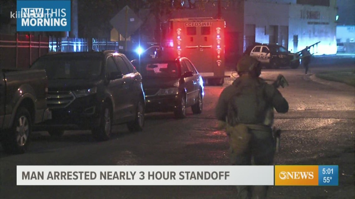 Man arrested after three-hour standoff with Corpus Christi police