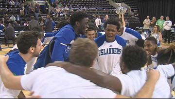 Islanders use second half surge to beat St. Mary's