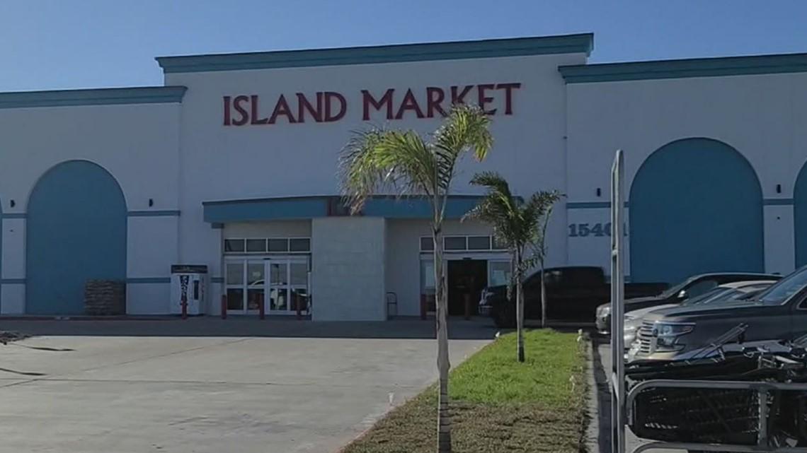 IGA Market on Padre Island opens