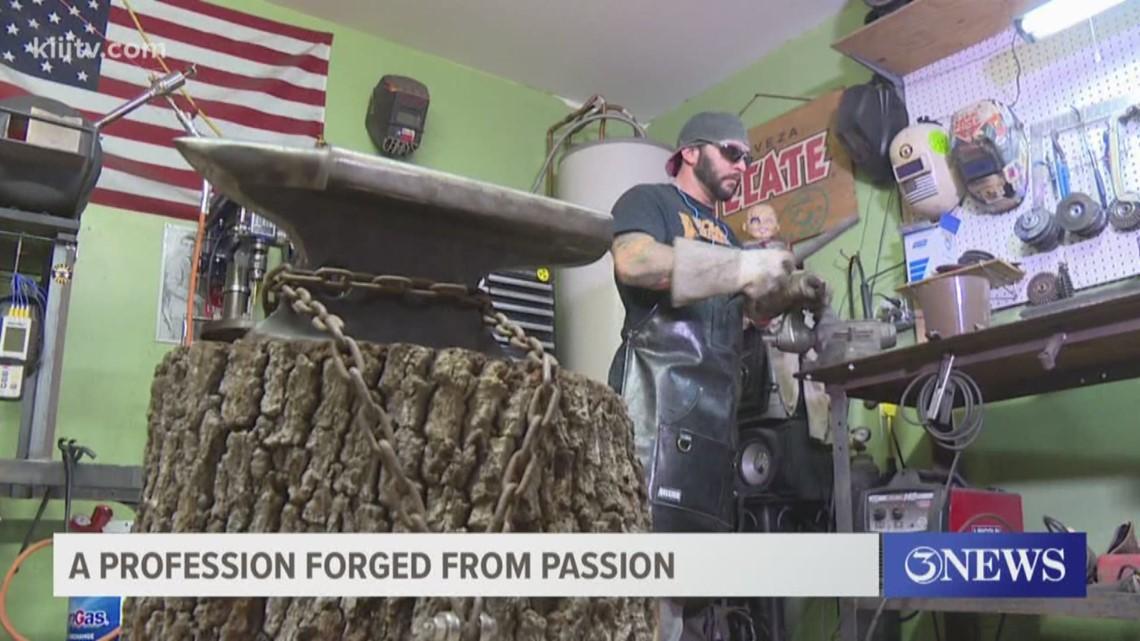 Coastal Bend man takes hobby of bladesmithing to the next level