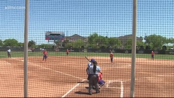 Islanders softball drops doubleheader to SHSU - 3Sports