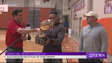 Alice's Salas presented Blitz play of the year trophy - 3Sports
