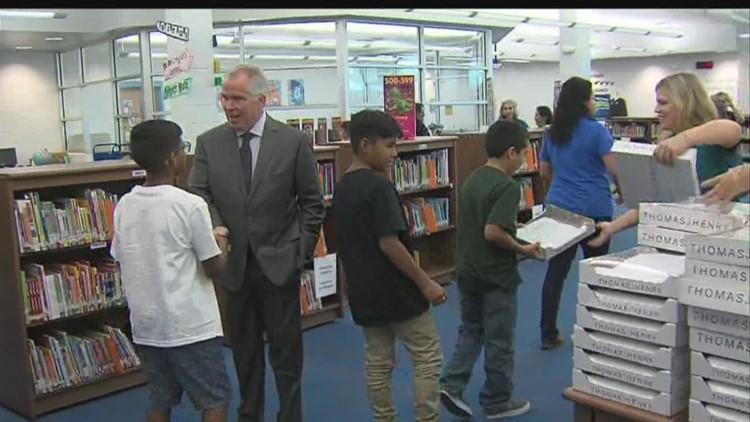 Thomas J Henry Sa Yes Distribute School Supplies Kiiitvcom