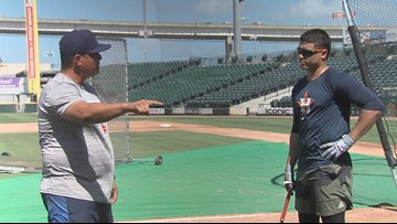Astros' utility man Aledmys Diaz rehabs with the Hooks