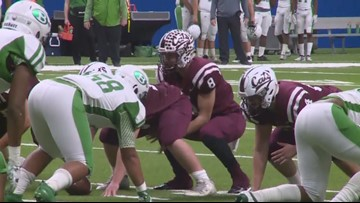 Calallen's fourth quarter surge pushes Cats to state qtrs.