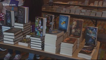 Teens meet their favorite authors at 5th Annual Teen Bookfest by the Bay