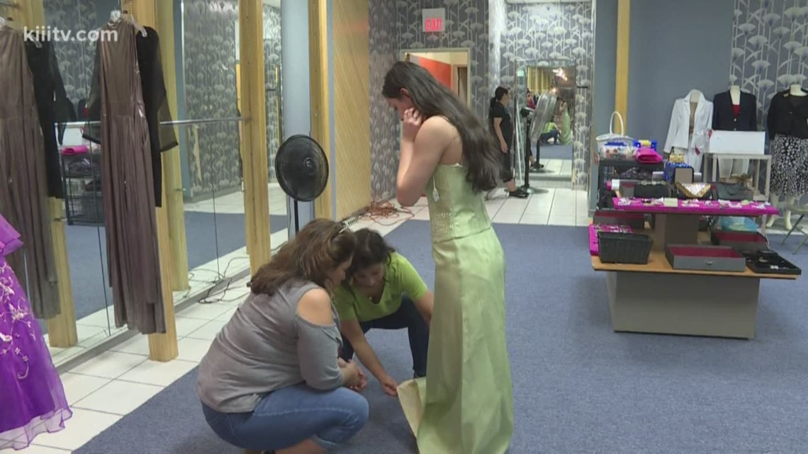 With rising prom dress costs, Coastal Bend organization helps teens