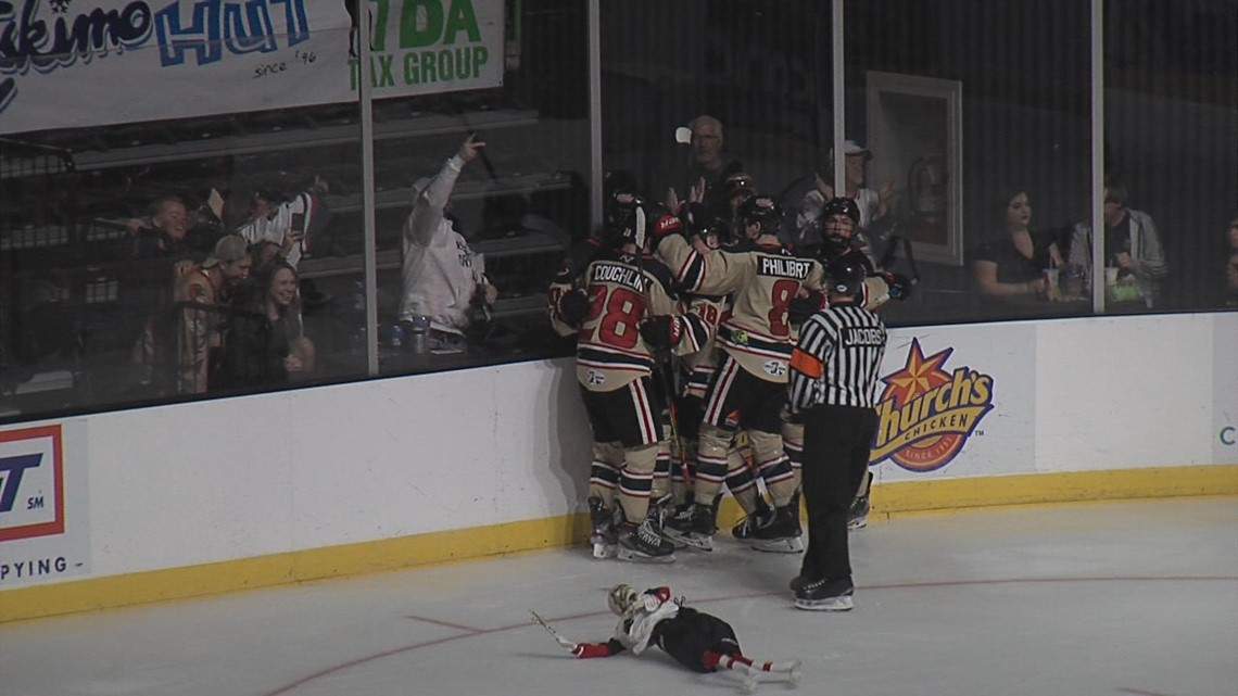 IceRays fall to Ice Wolves in shootout