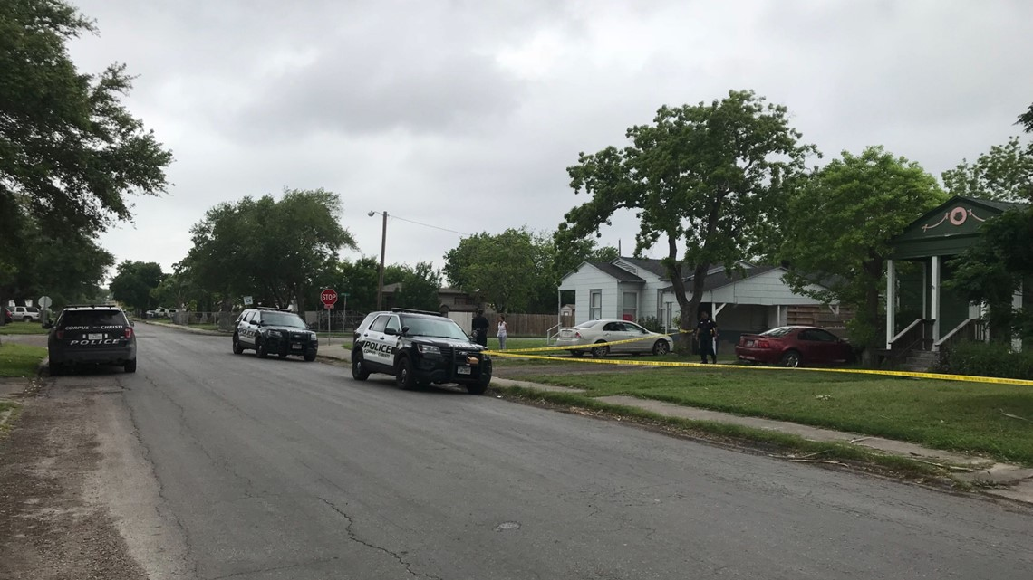Corpus Christi police looking for two armed home invasion suspects