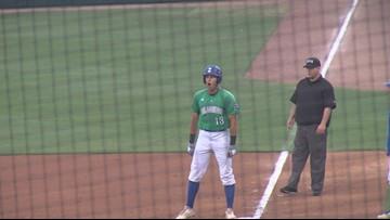 Islanders baseball tops visiting Texas Longhorns