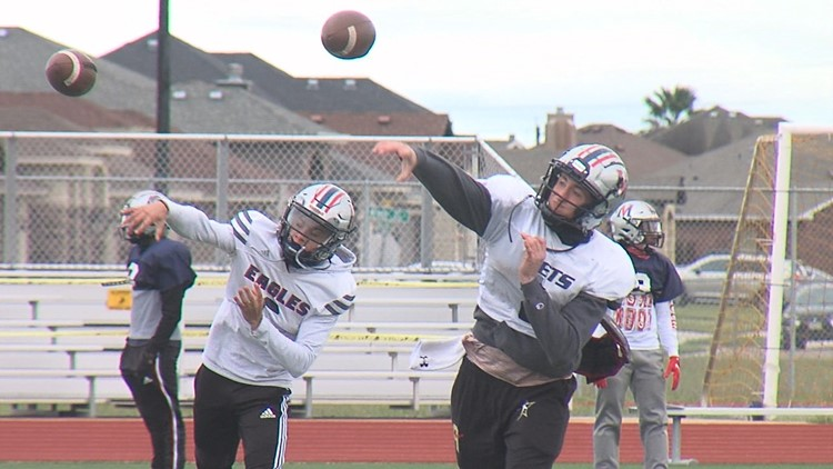 Veterans Memorial looking to punch ticket to state semis Saturday