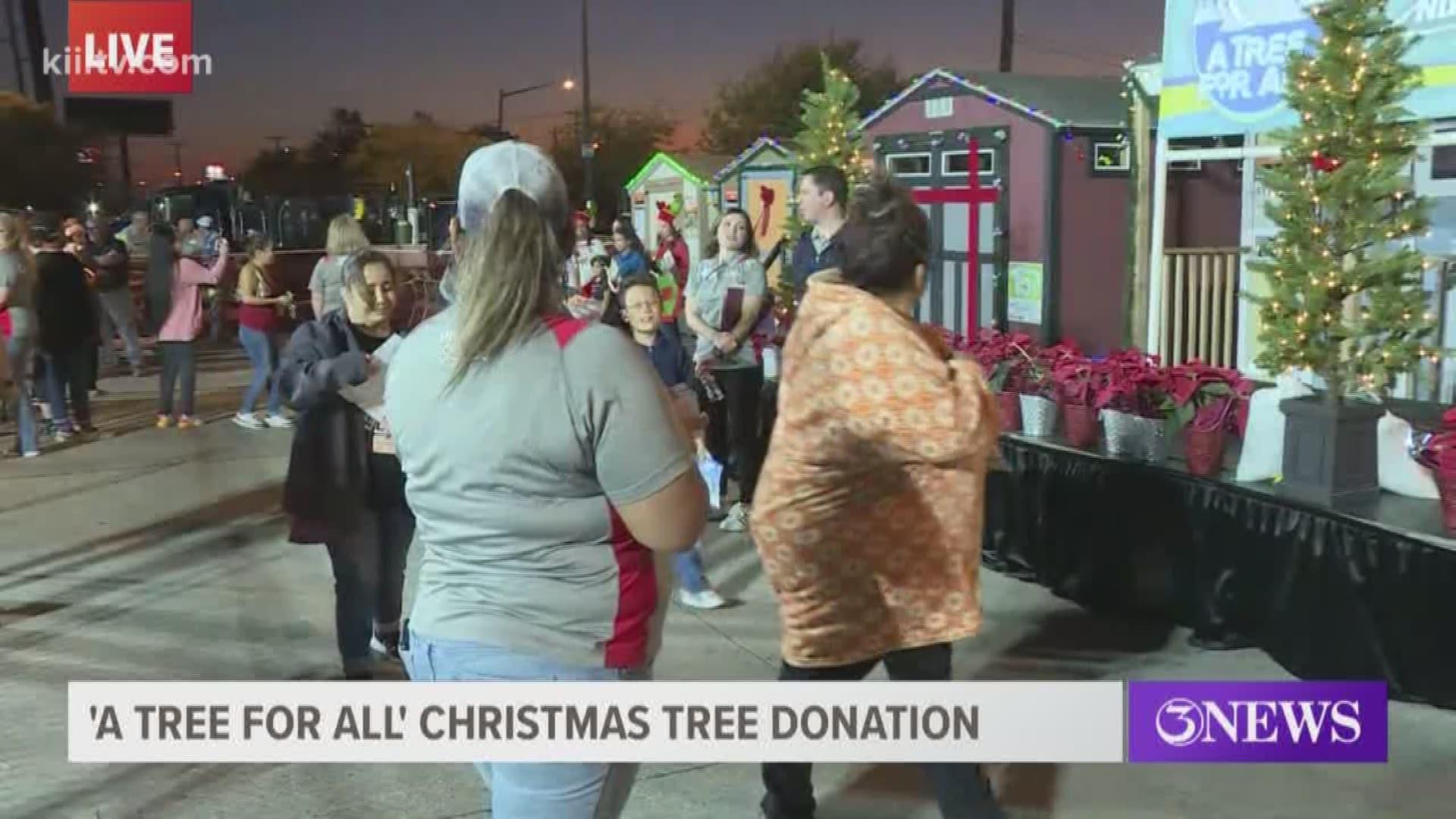 Port Of Corpus Christi Home Depot Give Free Christmas Trees To Families Kiiitv Com