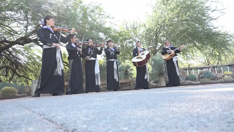 All-female mariachi group dazzles Valley with their voices and instruments