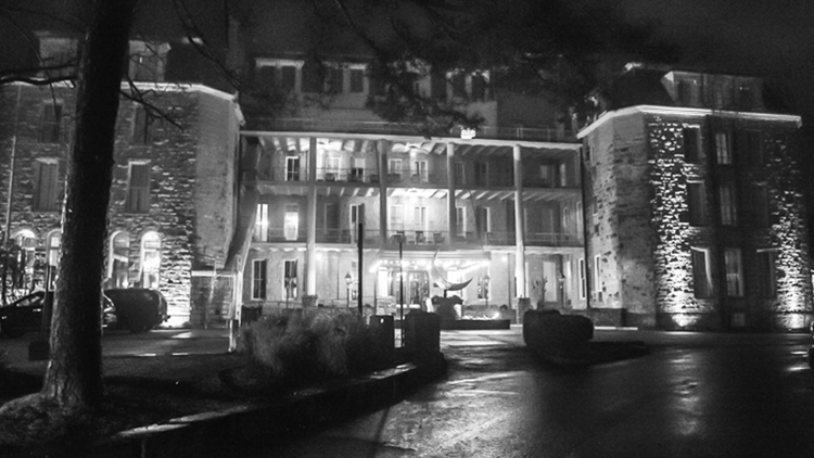 Mediums say alleged haunted Arkansas hotel might have a 'portal to the other side'