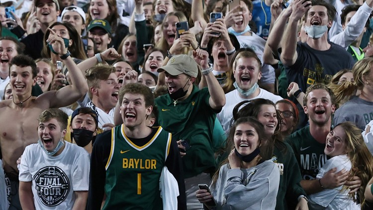 Fans welcome Baylor Bears back to Waco after historic win against Gonzaga